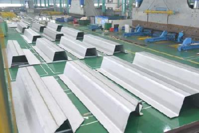 """""""Ω""""Shape plate for world largest duplex steel chemical ship"""